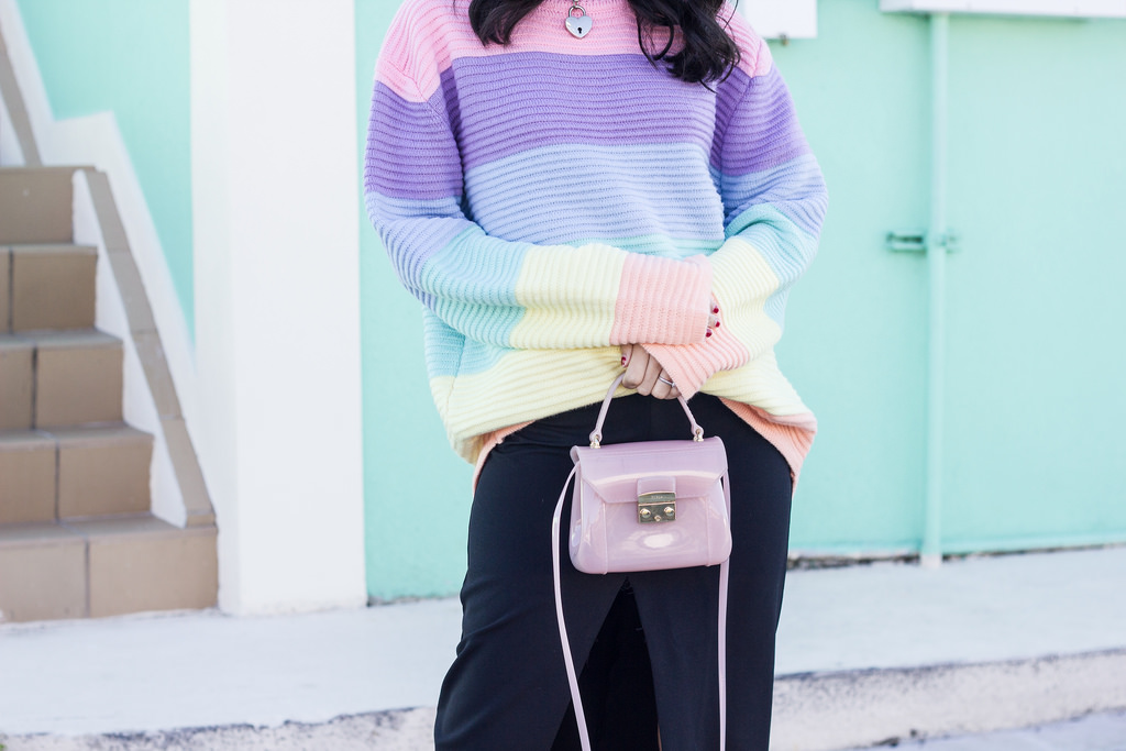 UNIF frost sweater, Zara Skirt, Furla mini candy bag, black beret, RayBan sunglasses, miami fashion blogger
